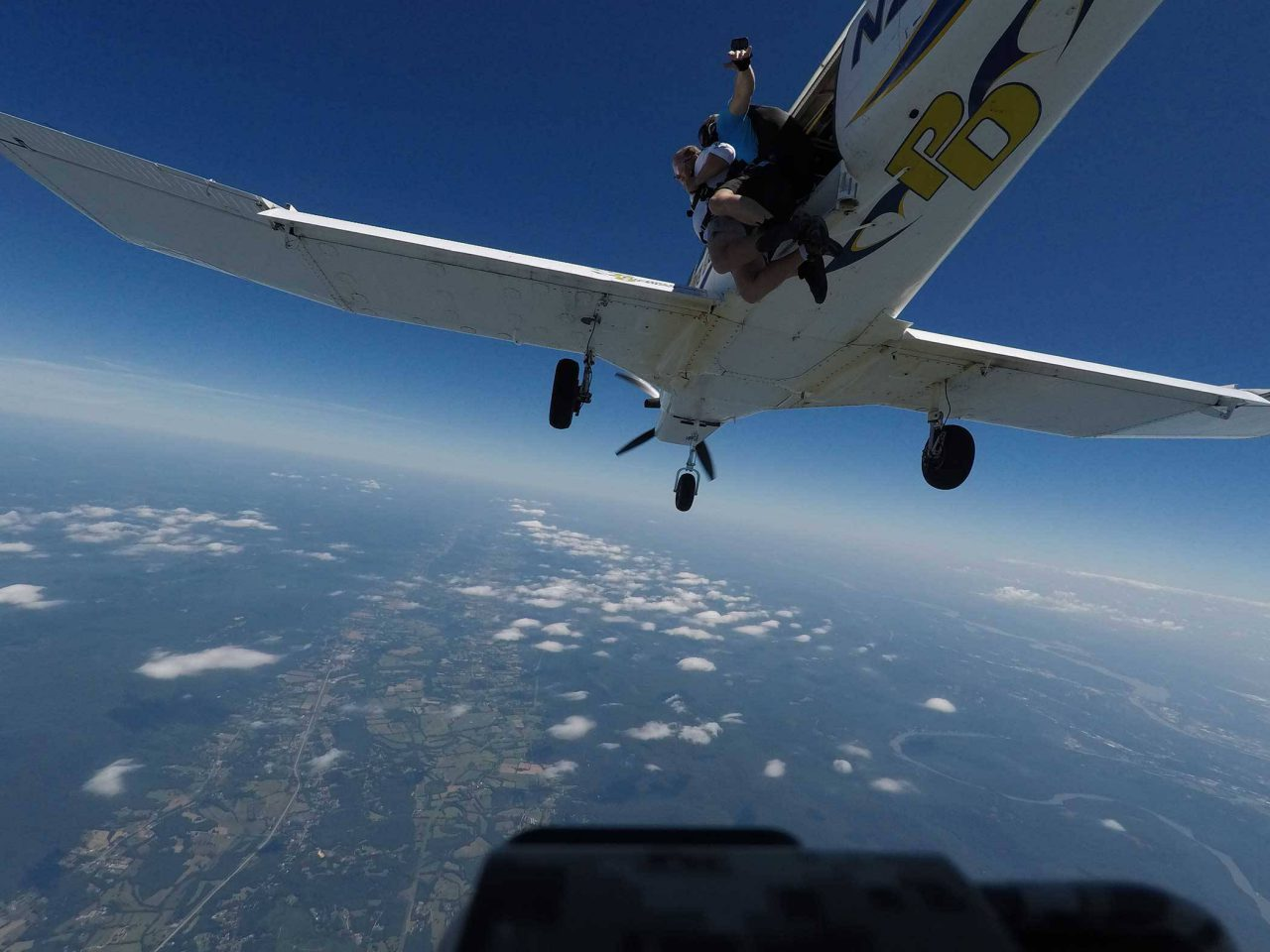 Man takes the leap from Chattanooga Skydiving aircraft